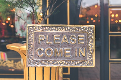 Carbon Free Dining  - 8 Steps To Great Restaurant Customer Service 5
