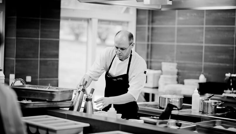 Carbon Free Dining - How To Create And Lead A Fantastic Restaurant Team