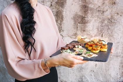 Carbon Free Dining - How To Start A Restaurant - Hire Employees