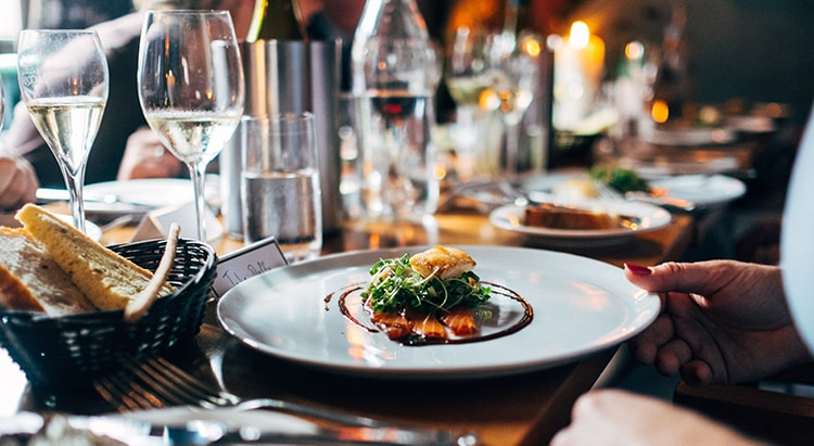Carbon Free Dining - 3 Ways Your Restaurant Can Reduce Food Waste