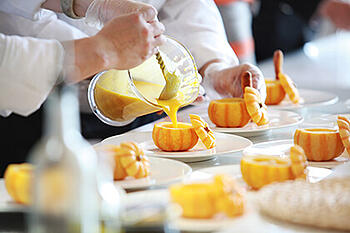 Carbon Free Dining - The Importance Of Building A Sense Of Teamwork Among Staff Members